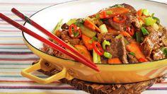 Tom for middagsideer? Asian Recipes, Beef Recipes, Ethnic Recipes, Kung Pao Chicken, Wok, Japchae, Pot Roast, Nom Nom, Healthy Living