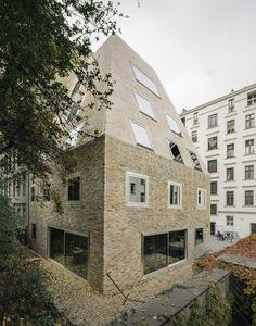 Barkow Leibinger Architekten, Simon Menges, Laurian Ghinitoiu · Apartment House Prenzlauer Berg