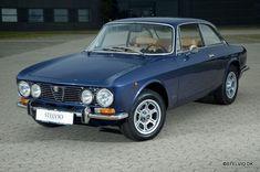 Classic Car News Pics And Videos From Around The World Alfa Romeo 1750, Alfa Romeo Gta, Alfa Romeo Spider, Alfa Bertone, Alfa Alfa, Old Classic Cars, Classic Sports Cars, Classic Italian, Alfa Romeo Giulia