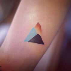 Tatuagens minimalistas: não sabe qual tatuagem fazer? Vá pelo simples 10735094 719645558106281 1845559236 n1