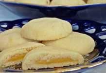 Křehké sušenky s citrónovou náplní
