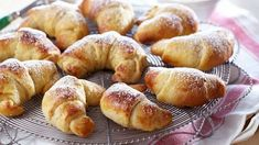 Recipe for Myk Vanillahorn Baking Recipes, Cake Recipes, Danish Food, Bread Bun, Pavlova, Sweet Bread, Pretzel Bites, Coffee Cake, Bread Baking