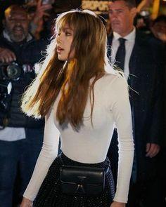 BLACKPINK Lisa looks like a Western celebrity at the Celine Collection – Knetizen K Pop, South Korean Girls, Korean Girl Groups, Paris Fashion, Fashion Show, Blackpink Fashion, High Fashion, Rapper, Cristian Dior