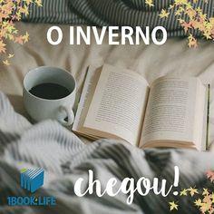 """Dia frio: cobertor para esquentar o corpo e um bom livro para aquecer a alma! — """"Um dia frio, um bom lugar para ler um livro…"""". Djavan pensou na combinação perfeita para os #booklovers.   Por isso, declaramos aberta a temporada de leitura. Prepare já a sua maratona"""