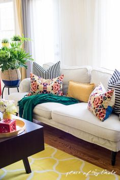 Spring Refresh | Blogger Stylin' Home tours - Place Of My Taste