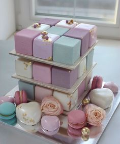 Pink and blue cube cake Pretty Cakes, Cute Cakes, Beautiful Cakes, Amazing Cakes, Fancy Cakes, Mini Cakes, Grolet, Love Cake, Cakepops