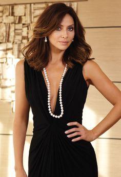 natalia imruglia wearing stunning australian pearl necklace and earrings wcw. Black Bedroom Furniture Sets. Home Design Ideas