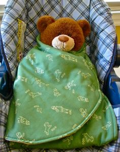 Car Seat Swaddle Blanket - Learn to make a swaddle blanket for a car seat with this baby shower gift idea.