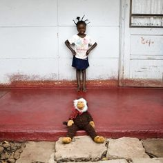 Children and their toys, Toy Stories by photographer Gabriele Galimberti.
