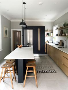 Bespoke kitchens built with the finest materials. We design, craft & deliver classic, shaker & contemporary bespoke kitchens & furniture nationwide. Kitchen Room Design, Kitchen Layout, Interior Design Kitchen, Kitchen Decor, Kitchen Designs, Kitchen Ideas, Kitchen Dining Living, New Kitchen, Timber Kitchen