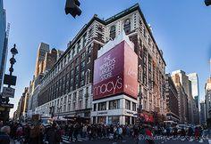 Temple of consumption, Macys Department Store, New York City  /  © Alexandre F de Fagundes