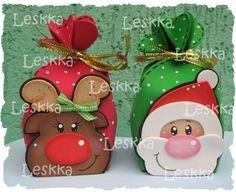 Resultado de imagen para pinterest goma eva navidad Felt Christmas Ornaments, Christmas Bags, Christmas Wrapping, Christmas Crafts, Christmas Decorations, Homemade Christmas Cards, Diy Gift Box, Christmas Sewing, Craft Box