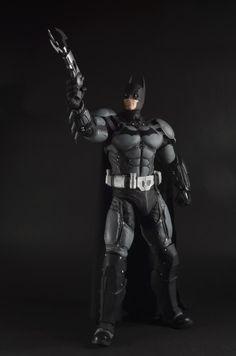 NECA-Arkham-Origins-Batman-Quarter-Scale-004