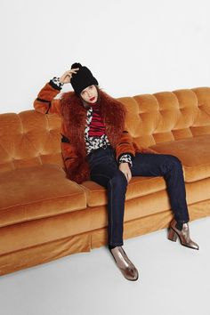Sonia by Sonia Rykiel Fall 2016 Ready-to-Wear Fashion Show.  orange fur, bronze boots.  And that couch!