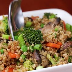"Skip Take-Out And Make This Flavorful Quinoa ""Fried Rice"" Omit eggs Quinoa & Veggie ""Fried Rice"" Veggie Recipes, Asian Recipes, Whole Food Recipes, Cooking Recipes, Quoina Recipes, Veggie Meals, Avocado Recipes, Noodle Recipes, Veggie Food"