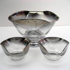 Set of 2 Dorothy Thorpe Chip and Dip Bowls