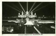 Exposició Internacional de Barcelona de 1929. Vista nocturna del Palau Nacional (avui, Museu Nacional d'Art de Catalunya)