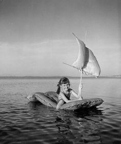 """steryios-mal: """"Robert Doisneau Le voilier pneumatique, Toulon, France, 1949 From Atelier Robert Doisneau - Bateaux """""""