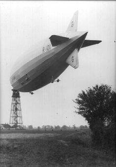 Strangers' Journey: 1930: Real Cardington