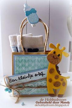 de Hobbydroom: Kraft tasje en feestje bij doe@ding! Paper Purse, Paper Bags, Baby Album, Marianne Design, Baby Art, Kids Cards, Paper Piecing, Gift Bags, Gift Baskets