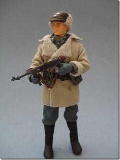 OBERSTURMFÜHRER BRENNER (Integrante de la unidad Totenkopf) Escala 1/10 madelman custom