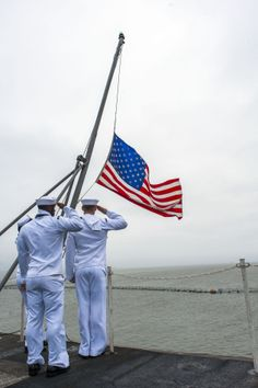 A wonderful picture--respect for the fallen and respect for our US flag. Go Navy, Navy Mom, Navy Sister, I Love America, God Bless America, American Pride, American Flag, American Freedom, American Spirit