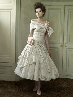 Bourbon Wedding Dress (with Wrap) – Ian Stuart Killer Queen 2012 Collection-change color of flowers