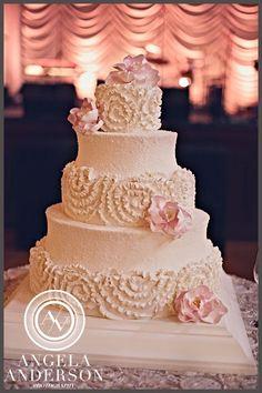 her beautiful cake!!