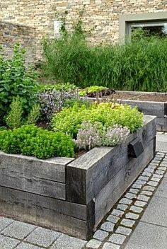 I Like the Heartiness and Size of These Raised Garden Beds