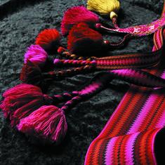 De små viktige detaljene Norwegian Clothing, Belts, Weaving, Diy, Hipster Stuff, Threading, Bricolage, Do It Yourself, Loom Weaving
