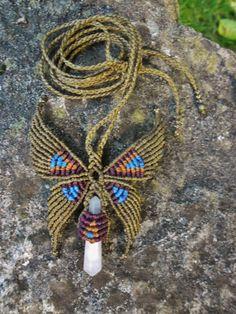 Collier Papillon en macramé avec pierre naturelle