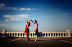 Soy #fotógrafodebodas y a todas mis #parejas les recomiendo hacerse una #sesión de #fotospreboda para que aprendamos todos. Ellos como disparo y me muevo y yo poder ver como se comporta la pareja frente a mi #cámara. Hoy os dejo la #preboda completa de Andrea y Samu, una pareja que me ha enamorado. #Santander #Cantabria #gentegreiz #bodas #bodas2017