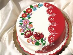 Cake decorated with traditional Hungarian folk pattern from Kalocsa. Pretty Cakes, Cute Cakes, Beautiful Cakes, White Wedding Cakes, Wedding Cakes With Flowers, Flower Cakes, Gold Wedding, Bolo Floral, Gift Box Cakes