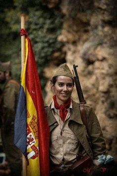 Spain - - GC - Miliciana - Visit to grab an amazing super hero shirt now on sale! Women In History, World History, World War, Military Women, Military History, Spanish War, Military Coup, Civil War Photos, Female Soldier