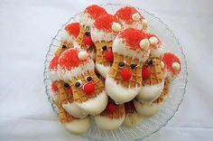 Nutter Butter Santa's thanks to Colleen! What you need: 1 package of Nutter Butter Cookies 1 pound of white chocolate candies Red sugar Red hots candies or other small red candies Mini chocol… Christmas Snacks, Christmas Goodies, Holiday Treats, Holiday Recipes, Christmas Holidays, Christmas Gifts, Family Christmas, Simple Christmas, Merry Christmas
