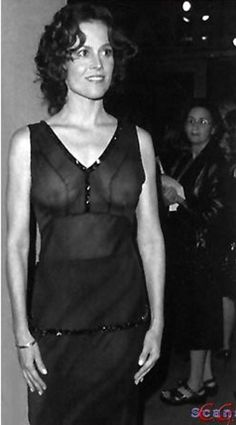 Naked Sigourney Weaver and other naked celebrities. Free photo gallery, erotic video, discussions and comments Hollywood Actresses, Actors & Actresses, Hollywood Glamour, Beautiful Celebrities, Beautiful Women, Amazing Women, Sigourney Weaver, Actrices Hollywood, Actor Photo