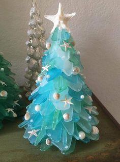Blue Christmas, Turquoise Christmas, Unique Christmas Trees, Coastal Christmas, Glass Christmas Tree, Christmas Tables, Christmas Wood, Beach Christmas Decor, Sea Glass Crafts