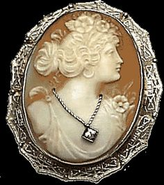 vintage cameo jewelry | 12 steps to become a (gothic) aristocrat - continuation 3