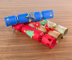 Rustle up your own Christmas crackers with the Cutting Craftorium Christmas USB and CD ROM! / papercraft / craft / Christmas crafting / Christmas decorations