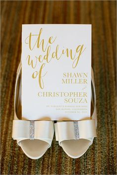 Modern gold and white wedding invitation #gold #goldwedding #weddinginvitations #invitations #wedding