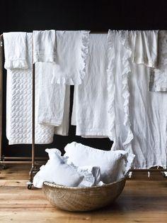 I love white linen bedding Linen Bedding, Bedding Sets, Linen Pillows, White Bedding, Bed Linens, Linens And Lace, White Linens, White Towels, Shades Of White