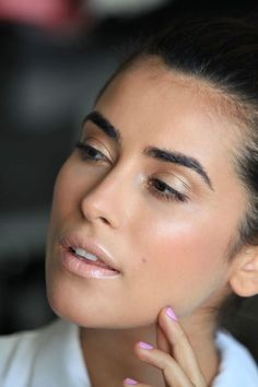 Stunning makeup; Featured: Sazan