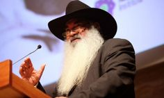 "Patrick Dodson has said Tony Abott ""does not have the knowledge"" to take the country towards regonition of Indigenous people in the constitution"