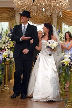 Marshall and Lily's wedding ceremony, How I Met Your Mother, HIMYM. How I Met Your Mother, Princess Diaries 2, Fleur Delacour, Rachel Berry, Marshall Y Lily, Boda Audrey Hepburn, Terrible Haircuts, Gossip Girl, Lily Aldrin