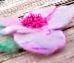 Flower painted rainbow, brooch or hair clip. Sugar Rose, Perfect Gif, Romantic Flowers, Love Valentines, Flower Delivery, Flower Brooch, Spring Flowers, Hair Pins, Rainbow