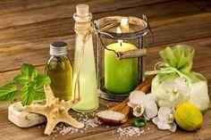 DIY-Rezept für selbstgemachtes Badeöl für Melissenbad aus nur 2 Zutaten - ein Melissenbad harmonisiert und bringt ins Gleichgewicht ...