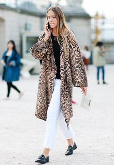 11 Chic and Simple Street Style Looks From Paris Fashion Week via @WhoWhatWearUK
