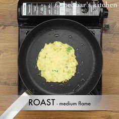 aloo cheela recipe Easy Samosa Recipes, Veg Recipes, Potato Recipes, Indian Food Recipes, Snack Recipes, Cooking Recipes, Paneer Sandwich, Potato Pancakes, Masala Recipe