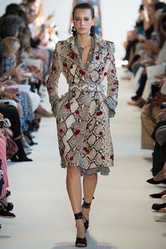 Altuzarra Spring 2017 Ready-to-Wear Fashion Show - Mali Koopman