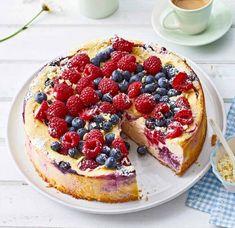 Beeren-Ricotta-Käsekuchen: Thermomix ® Rezept - [ESSEN UND TRINKEN] Ricotta, Carrot Cake Muffins, Blondies, Waffles, French Toast, Cheesecake, Breakfast, Recipes, Food